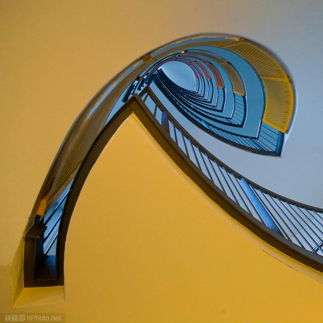 作品赏析:极富创意的旋转楼梯摄影作品5