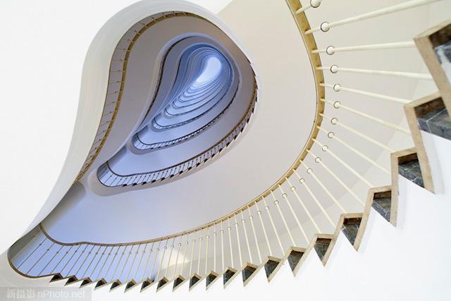 作品赏析:极富创意的旋转楼梯摄影作品6