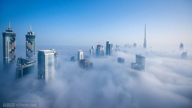 作品赏析:云之城 浓雾中的迪拜1