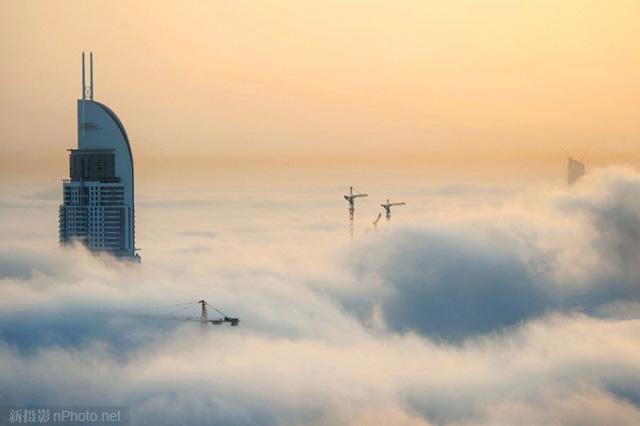 作品赏析:云之城 浓雾中的迪拜5
