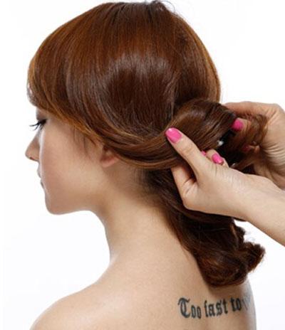 简便新娘发型步骤图解2