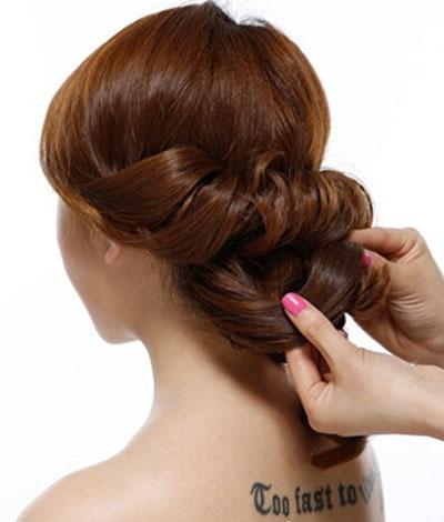 简便新娘发型步骤图解4