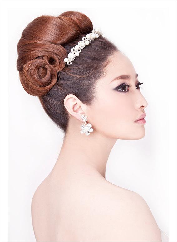 高贵大气的白纱新娘造型教程1