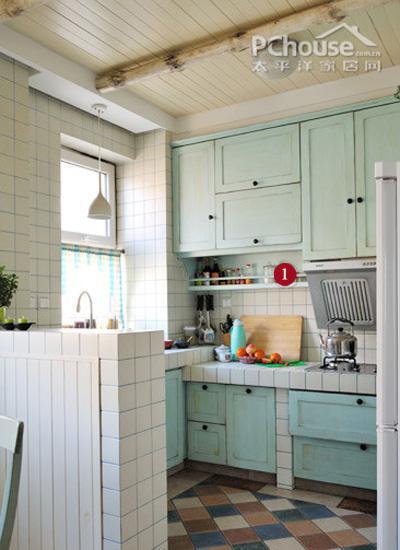 利用厨房内设提升空间1平米储物空间_室打造网上找装修设计靠谱么图片